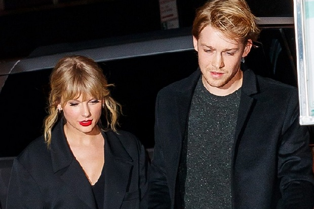 Want to Know the Secrets of Long-Lasting Dating Joe Alwyn and Taylor Swift?